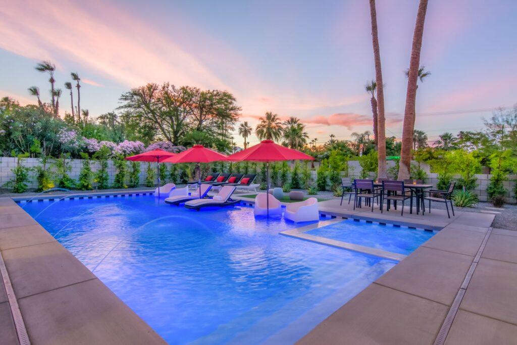 5 palms MO pool